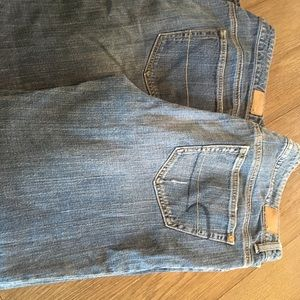 2 pairs of American eagle jeans size 14